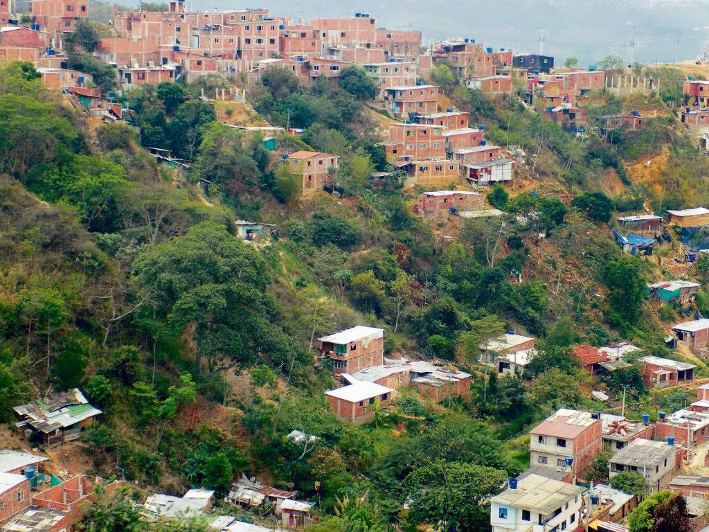 Panorama del barrio Luz de Salvación, en la zona sur de la ciudad. 350 es el número de casas que hay allí, cada una habitada de a 3 a 8 personas. /FOTO SILVIA MARGARITA MÉNDEZ MANOSALVA