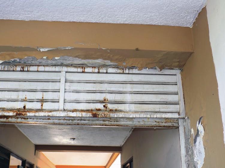 Según la coordinadora de la Casa, el óxido no permite abrir las puertas e inclusive se han encontrado murciélagos en algunas de las habitaciones. /FOTO SILVIA MARGARITA MÉNDEZ