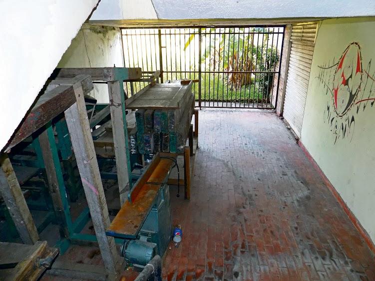 De los tres pisos con los que cuenta la Casa, el de la planta baja es el más afectado por el abandono en el que se encuentran sus salones. /FOTO SILVIA MARGARITA MÉNDEZ